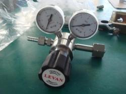 标准气体减压器